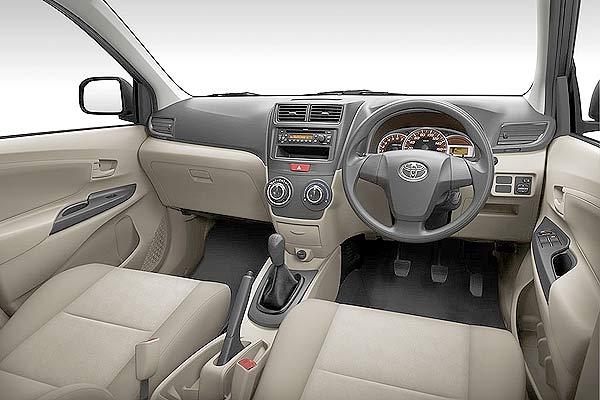 Interior-Avanza-G-E